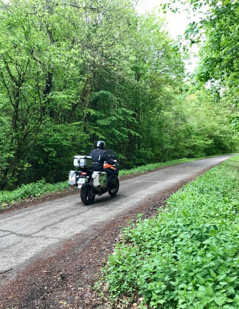 ktm 1050 adventure sur la route
