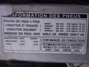 étiquette constructeur sur la pression des pneus - honda transalp 650