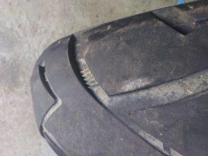 un pneu moto bon pour la poubelle